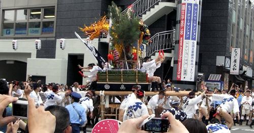 3yamakasa7.JPG